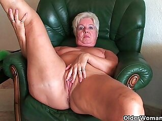 Busty blond mom gets her pussy eaten before steamy hd
