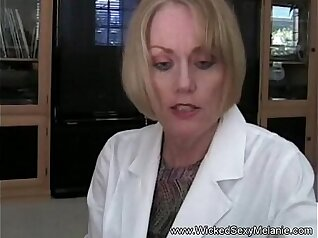 Booty mom Satine Bamboo Rides Bruce Chambers Cock