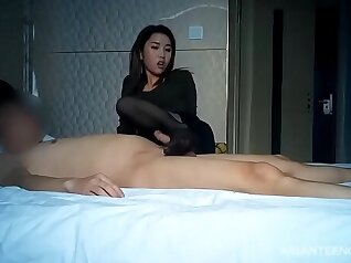 asian amateur licked by prostitute