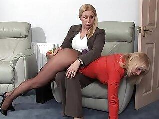 Webcam Milf spanked