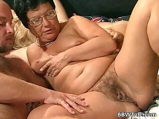 Chubby Mature Slut Takes Her First Stroke Before She Cums