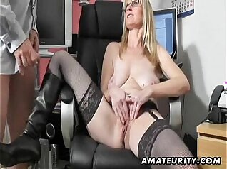 Bigtit milf amateur shakes wet chunky cumshot